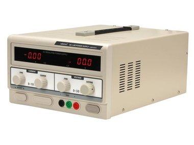 DC-LABOVOEDING 0-30 VDC / 0-10 A MAX MET DUBBEL LED-SCHERM (LABPS3010)