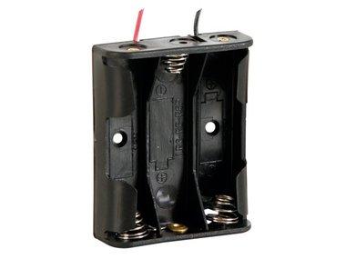 BATTERIJHOUDER VOOR 3 x AA-CEL (MET DRADEN) (BH331A)